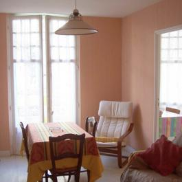 Capvern location appartement villa mary T3 N°8 salon séjour