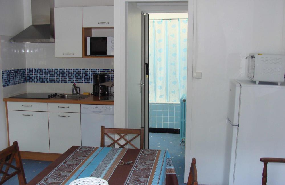 Capvern location appartement PLEIN SOLEIL T2 N°3 CUISINE SEJOUR