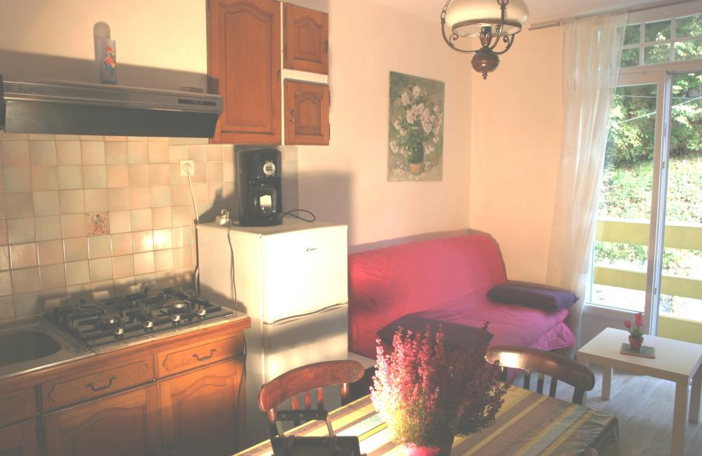 Capvern location appartement villa mary T1BIS N°3 CUISINE