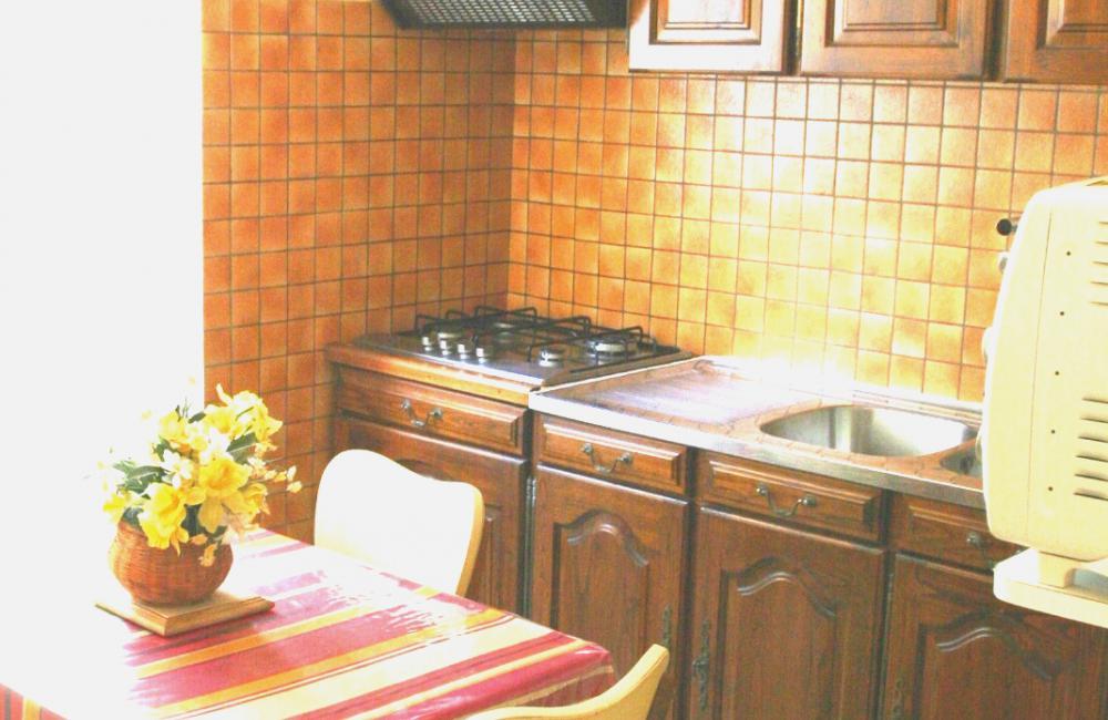 Capvern location appartement villa mary T1BIS N°1 CUISINE