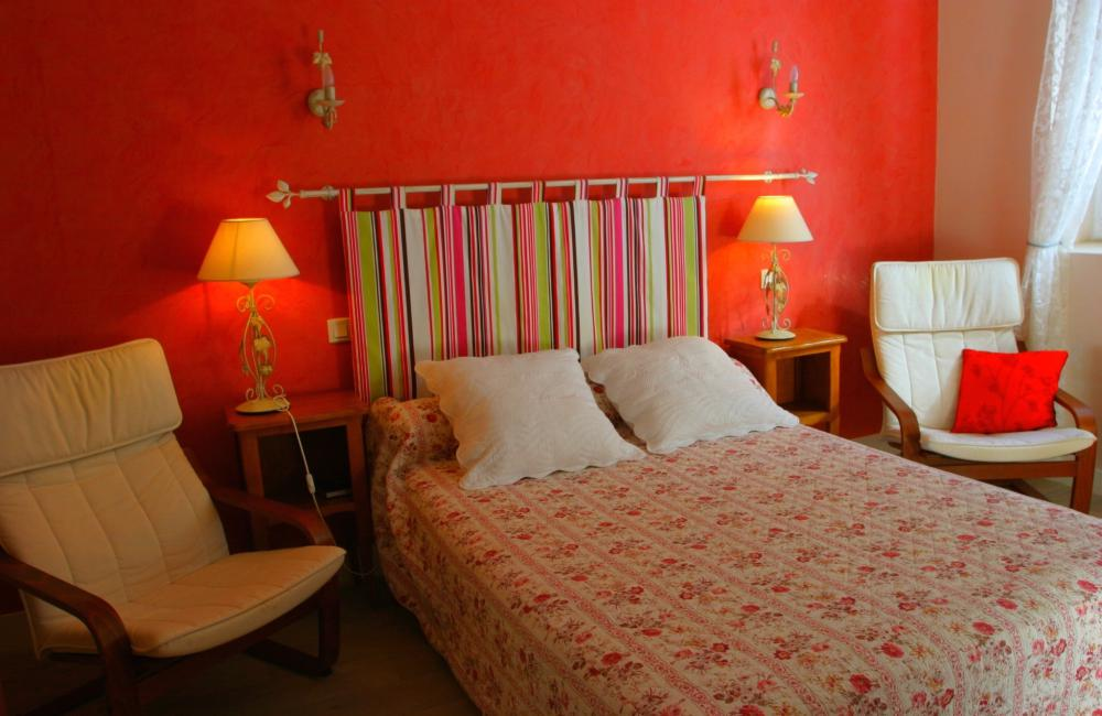 Capvern location appartement villa mary T1BIS N°6 CHAMBRE