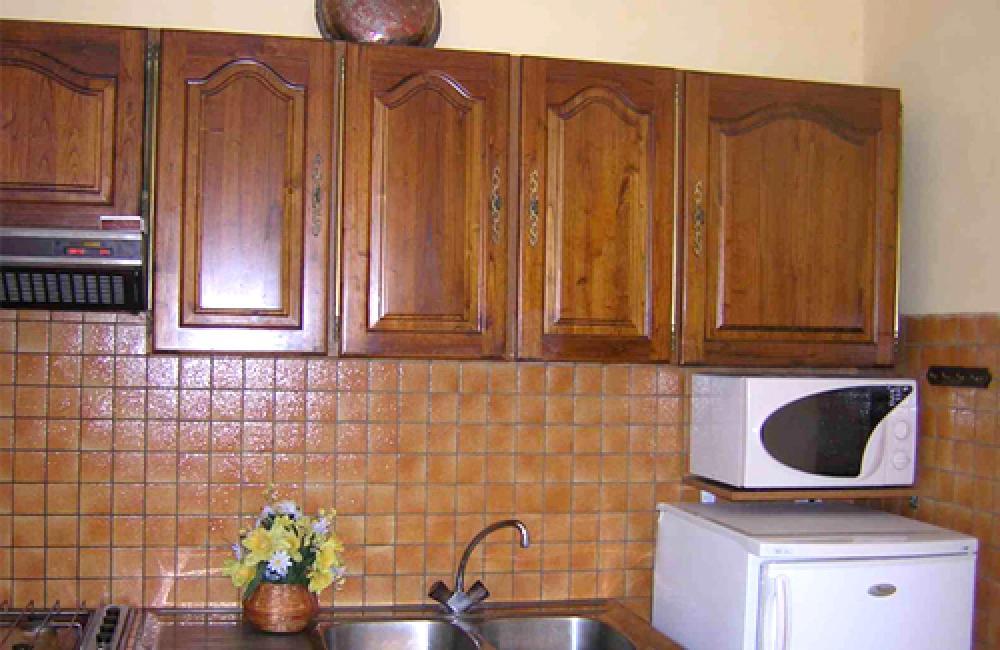Capvern location appartement villa mary T1BIS N°1 cuisine équipée