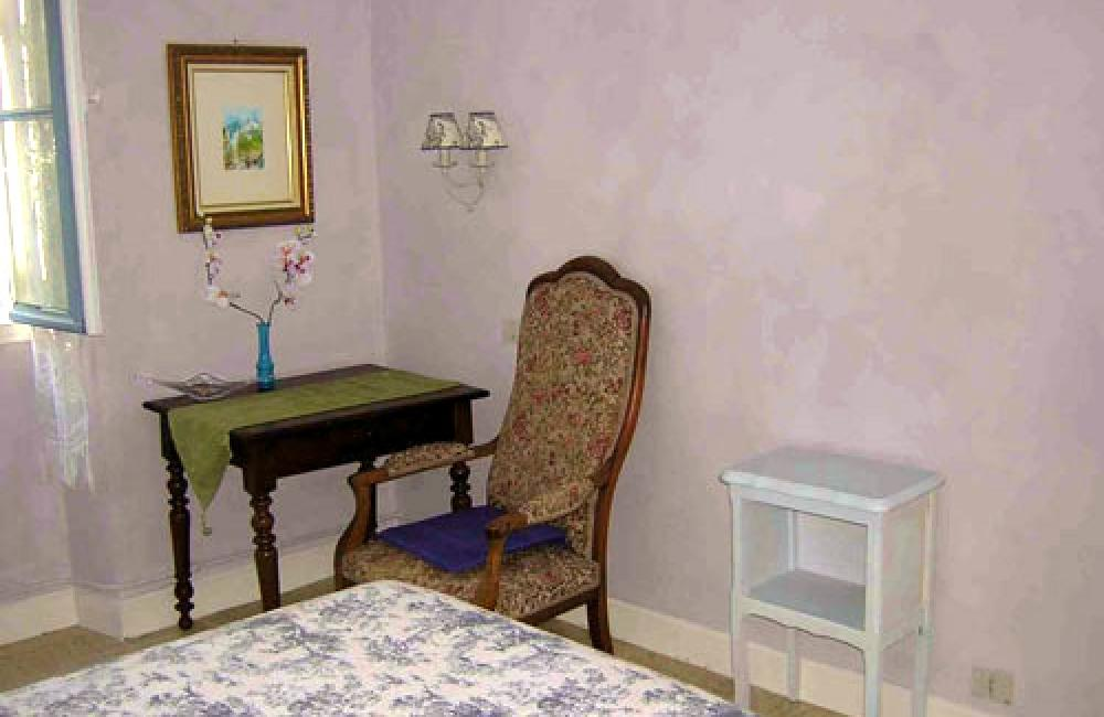 Capvern location appartement villa mary T1BIS N°1 CHAMBRE